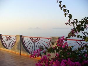 Ende der sommerpause bentornati bentrovati o solemio for Schrank fa r terrasse